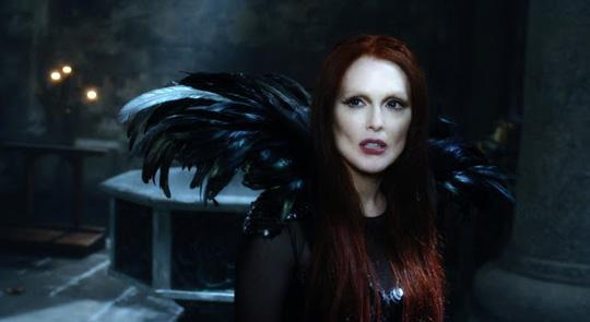 "Julianne Moore als böse Hexe in ""Seventh Son"""