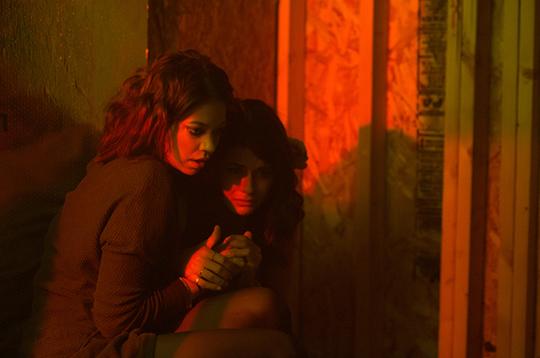 Analeigh Tipton neben Sofia Black-D'Elia. ©IM Global