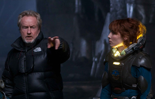 Ridley Scott und Noomi Rapace am Prometheus-Set