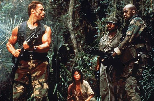 Mit ihm ist nicht zu spaßen: Schwarzenegger im Kampf gegen den Predator.
