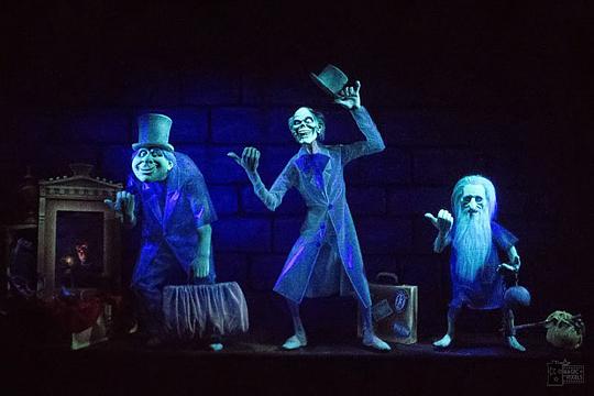 Nur einige der unheimlichen Bewohner der Haunted Mansion