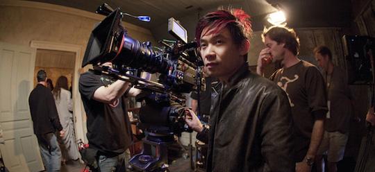 """James Wan während der Dreharbeiten zu seinem Horrorerfolg """"The Conjuring"""""""