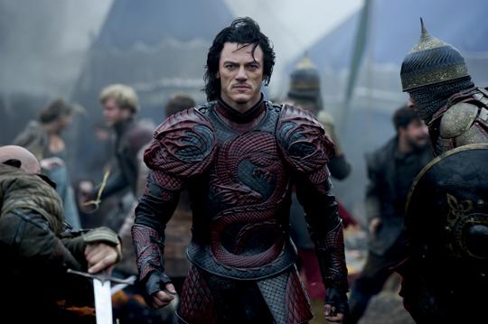 """Flattert auch hier durch die Nacht: Luka Evans in """"Dracula Untold"""""""