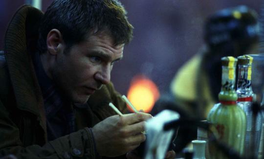 Darf auch in Blade Runner 2 merkwürdige Zukunftsgerichte verspeisen: Harrison Ford
