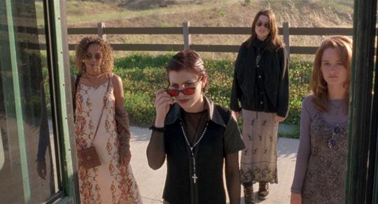 "Hexen in Ausbildung: Neve Campbell neben ihren ""The Craft""-Kolleginnen"