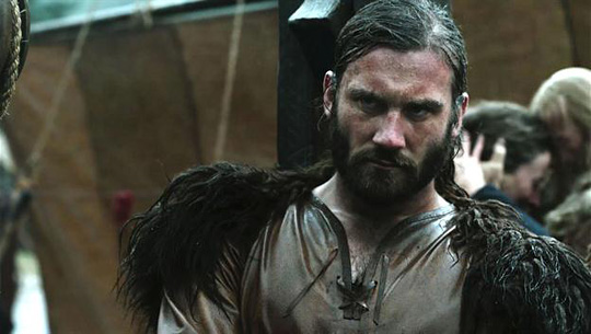 """Kennt sich mit schwierigen Situationen aus: Clive Standen (""""Vikings"""")"""