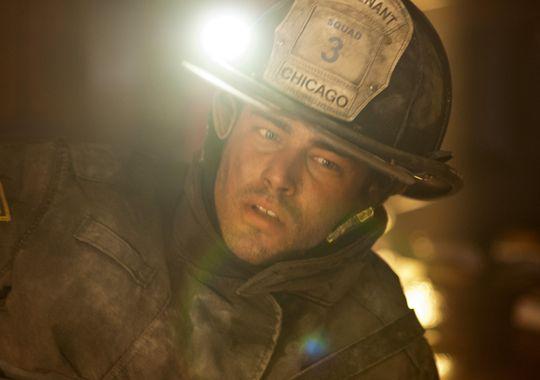 """Kennt sich mit gefährlichen Situationen aus: Taylor Kinney In """"Chicago Fire"""". ©NBC AP"""