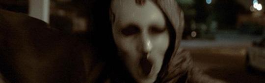 Scream: Die Serie – Die ersten acht Minuten aus der TV-Serie zum Kultslasher