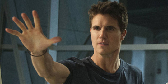 Robbie_Amell_65152