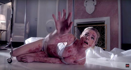 "Brianne Howey in ""Scream Queens"""
