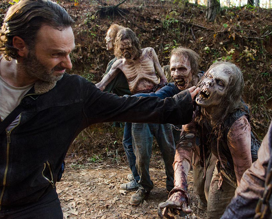 the-walking-dead-episode-616-rick-lincoln-4-935
