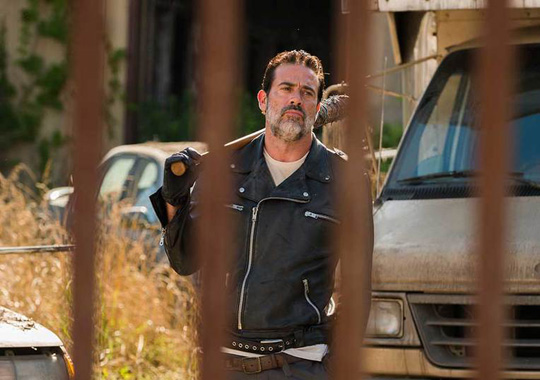 the-walking-dead-season-7-negan-morgan-935jpg-7cf19c_765w