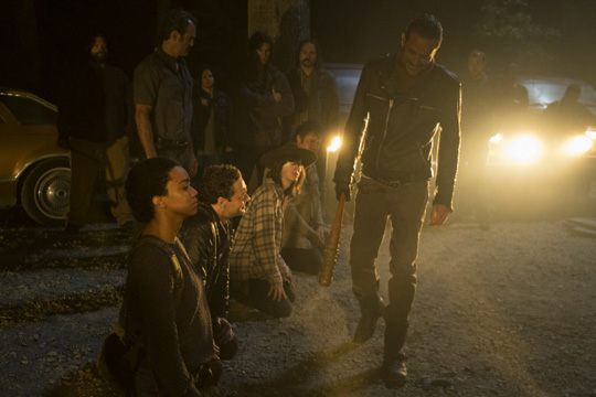 >>> NOT TO BE USED UNTIL 10/24/16 at 1:00 AM EST <<< Jeffrey Dean Morgan as Negan, Sonequa Martin-Green as Sasha Williams, Ross Marquand as Aaron, Chandler Riggs as Carl Grimes, Josh McDermitt as Dr. Eugene Porter - The Walking Dead _ Season 7, Episode 1 - Photo Credit: Gene Page/AMC