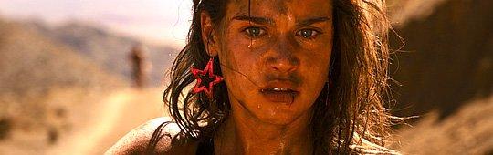Revenge – Eine Frau übt Rache an ihren Peinigern: Neuer Trailer