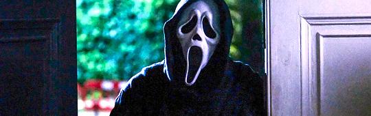 Scream 5 – Ghostface ist zurück: Setbilder teasern Logo und Filmtitel an