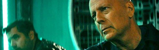 Breach – Erster Trailer: Bruce Willis auf den Spuren von 'Alien'
