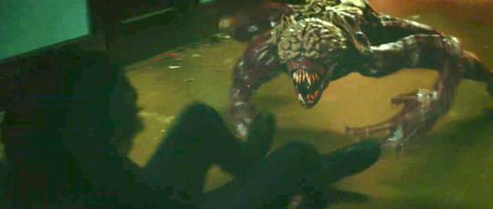 Resident Evil – Trailer #2: William Birkin, der Licker und Zombies gegen Chris Redfield und Co.